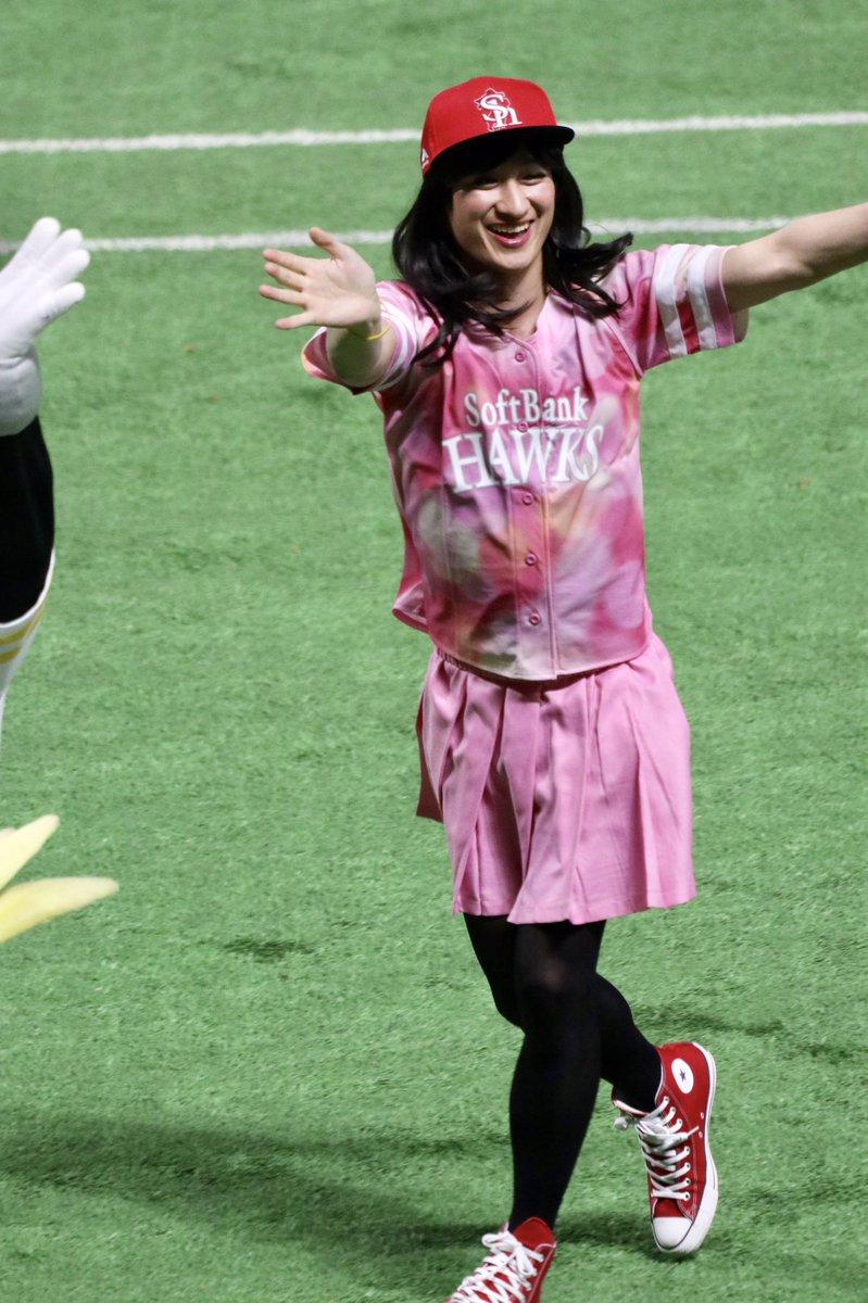 キスマイ・宮田俊哉がヤフオクドームに降臨 ハニーズの衣装でキレッキレのダンスを披露