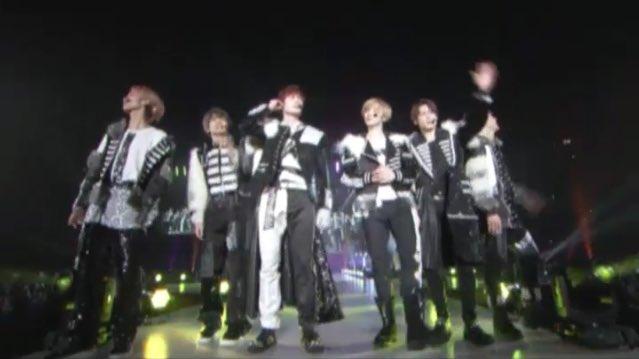 SixTONESが『関西コレクション』にシークレットゲストで登場、松村北斗が初めての茶髪を公開!