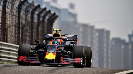 レッドブル、マシンバランスが改善@F1中国GP初日