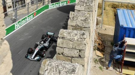 F1アゼルバイジャンGPのポスターが話題