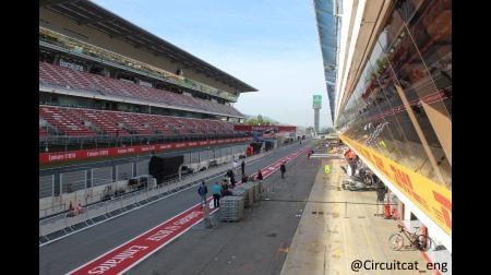 F1スペインGPセッション前パドック