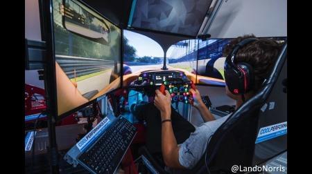 ノリス、レースゲームでフェルスタッペンのドライブを学習