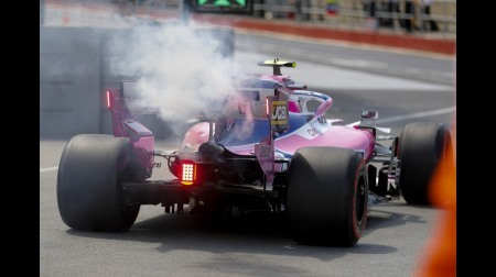 メルセデス、ストロールのフェイズ2PUのトラブル原因をスパークプラグと断定
