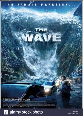 prod-db-fantefilm-cine-gran-dr-la-onda-bolgen-de-roar-uthaug-2015-norv-affiche-franaise-pelicula-catastrofe-catastrofe-natural-pp49he[1]