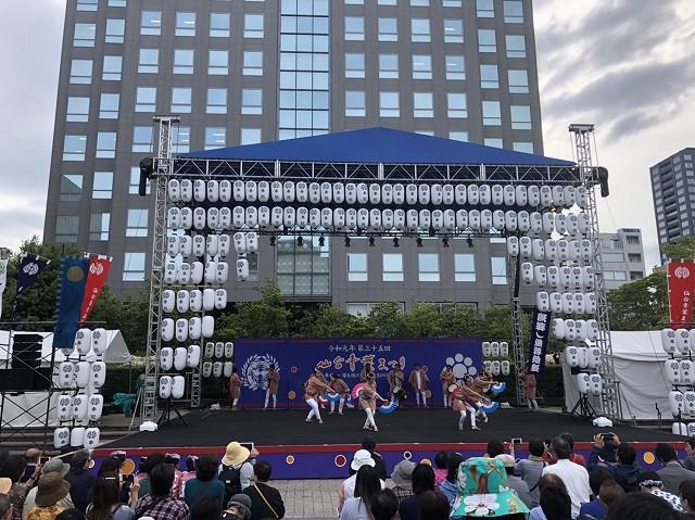 市民広場 舞台踊り