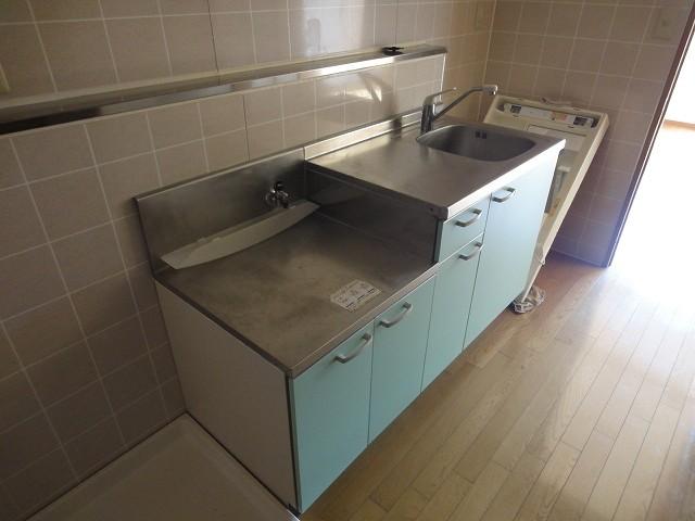 ロイヤルステージ宮城野キッチン