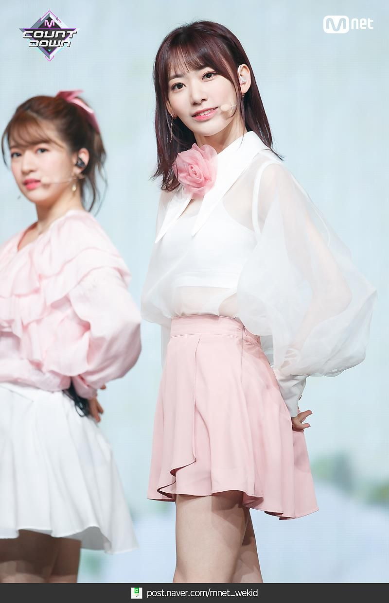 宮脇咲良 2019 薔薇 1 済み