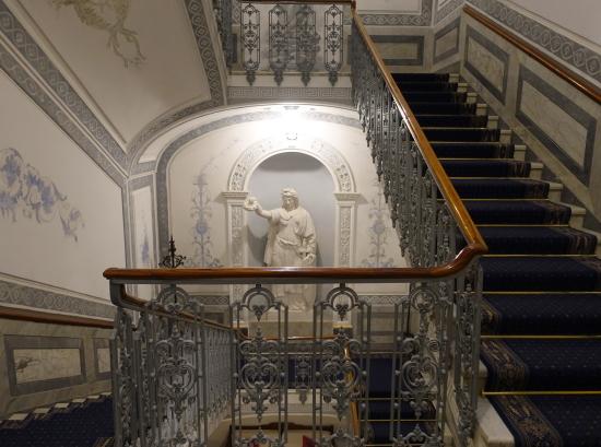 ヴィ階段2