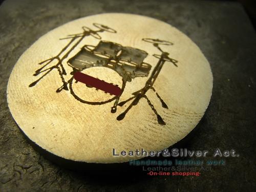 ドラムのアクセサリー シルバー