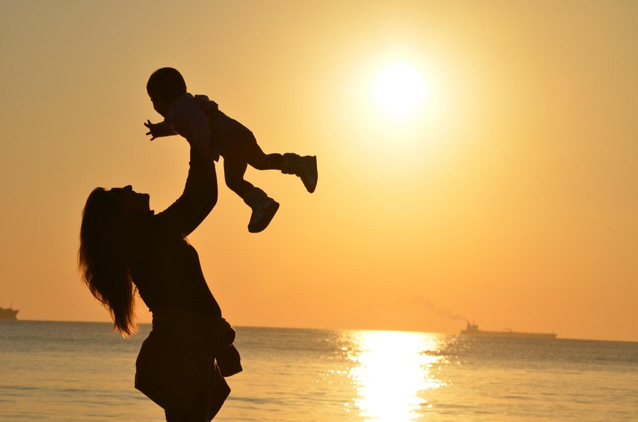 baby-babysitter-babysitting-51953.jpg