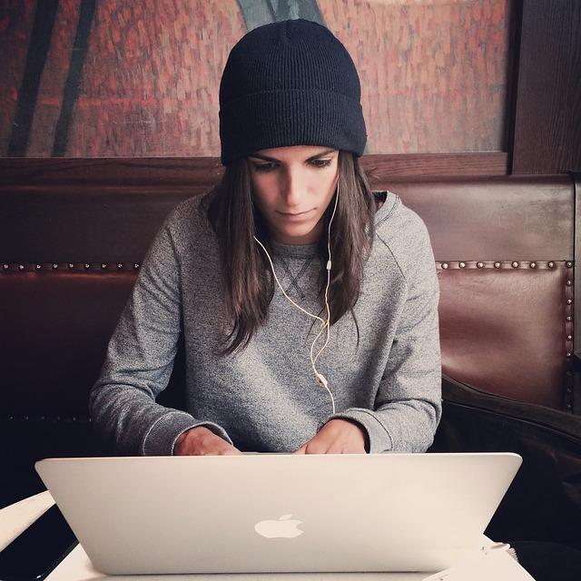 laptop-2561018_640.jpg