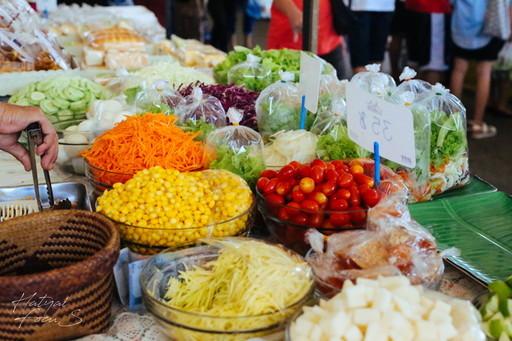 市場のサラダ (1)