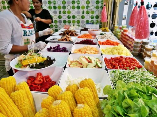 市場のサラダ (3)
