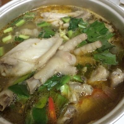 Tom Yam chicken paw