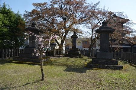 20190422東軍墓地03
