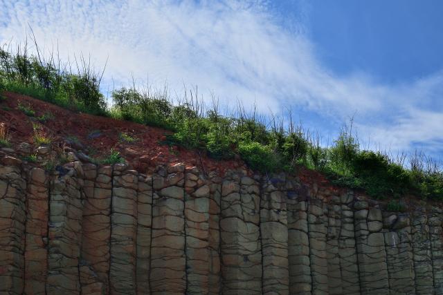 玄武岩の断崖(3)