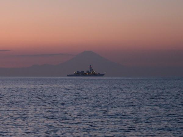 船と富士山2