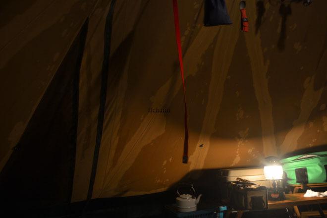 何がなんでもキャンプだし すげのレジャー 冬 キャンプ 薪スト テンマク アイアンストーブちび 湯たんぽ 30度超 テンティピ