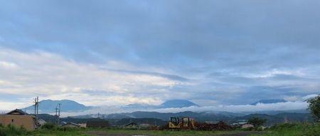 001西の山々