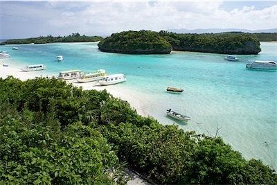 aa500px-Kabira_Bay_Ishigaki_Island41s3s4500.jpg