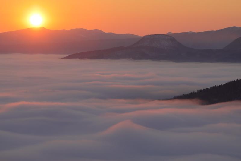 3642 雲海と日の出