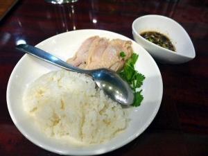 自家製麺 魚担々麺・陳麻婆豆腐 dan dan noodles@01海南チキンライスSET 4