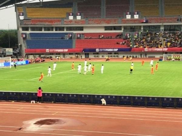 【動画】韓国選手が優勝カップ踏みつけ、成都市サッカー協会関係者「もう韓国チームは呼ばない、前に来た日本はとても良かった」―中国メディア
