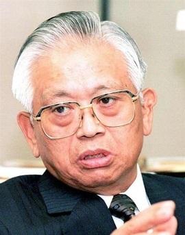桜井新・環境庁長官