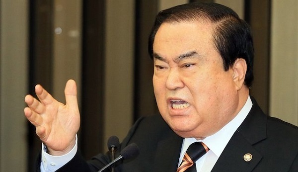 天皇陛下を冒涜して日本に対して不平を言った韓国国会議長の文喜相(ムン・ヒサン)は、日本に特使を派遣する意向を示している。
