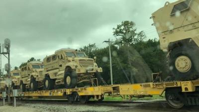 【衝撃!】軍事車両の納品???長っ!