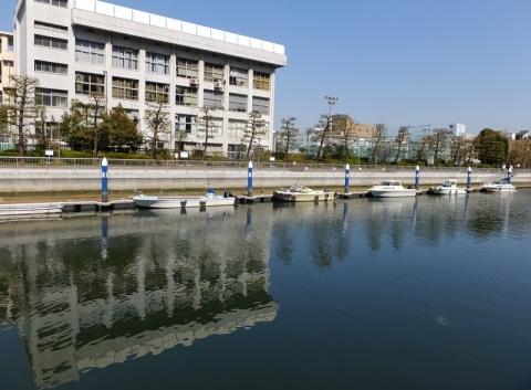 小名木川・大富橋付近係留船