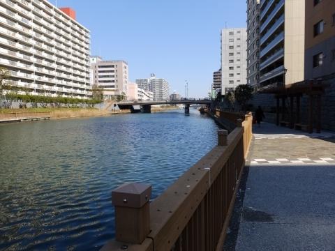 小名木川・小松橋より東方向の望む