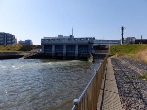 小名木川排水機場・排水樋管ゲート