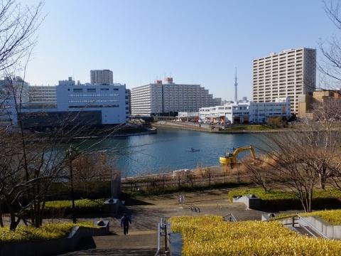 小松川閘門より旧中川を望む