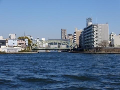 隅田川から見た小名木川河口の萬年橋