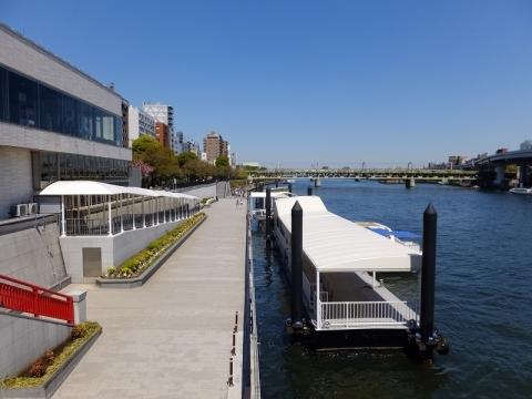 吾妻橋より隅田川上流を望む