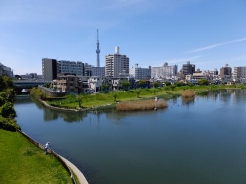 江東新橋より旧中川上流・北十間川を望む