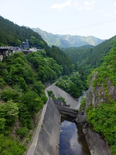 二瀬ダムより荒川下流を望む