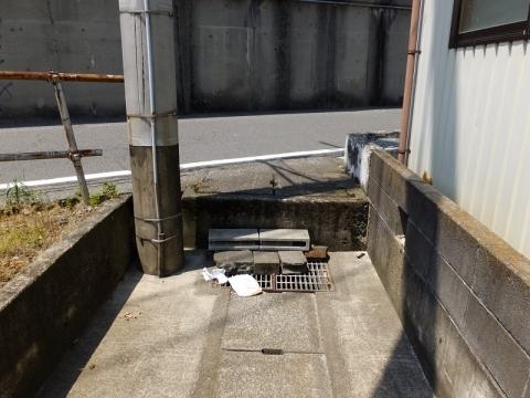 三田用水支線用水路北端の雨水下水路・妻田東3