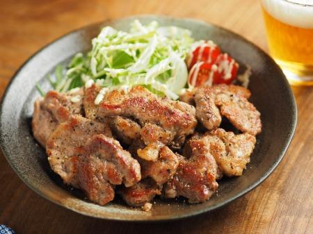 豚ひれ肉のチーズ塩焼き014