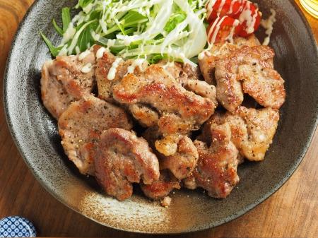 豚ひれ肉のチーズ塩焼き012