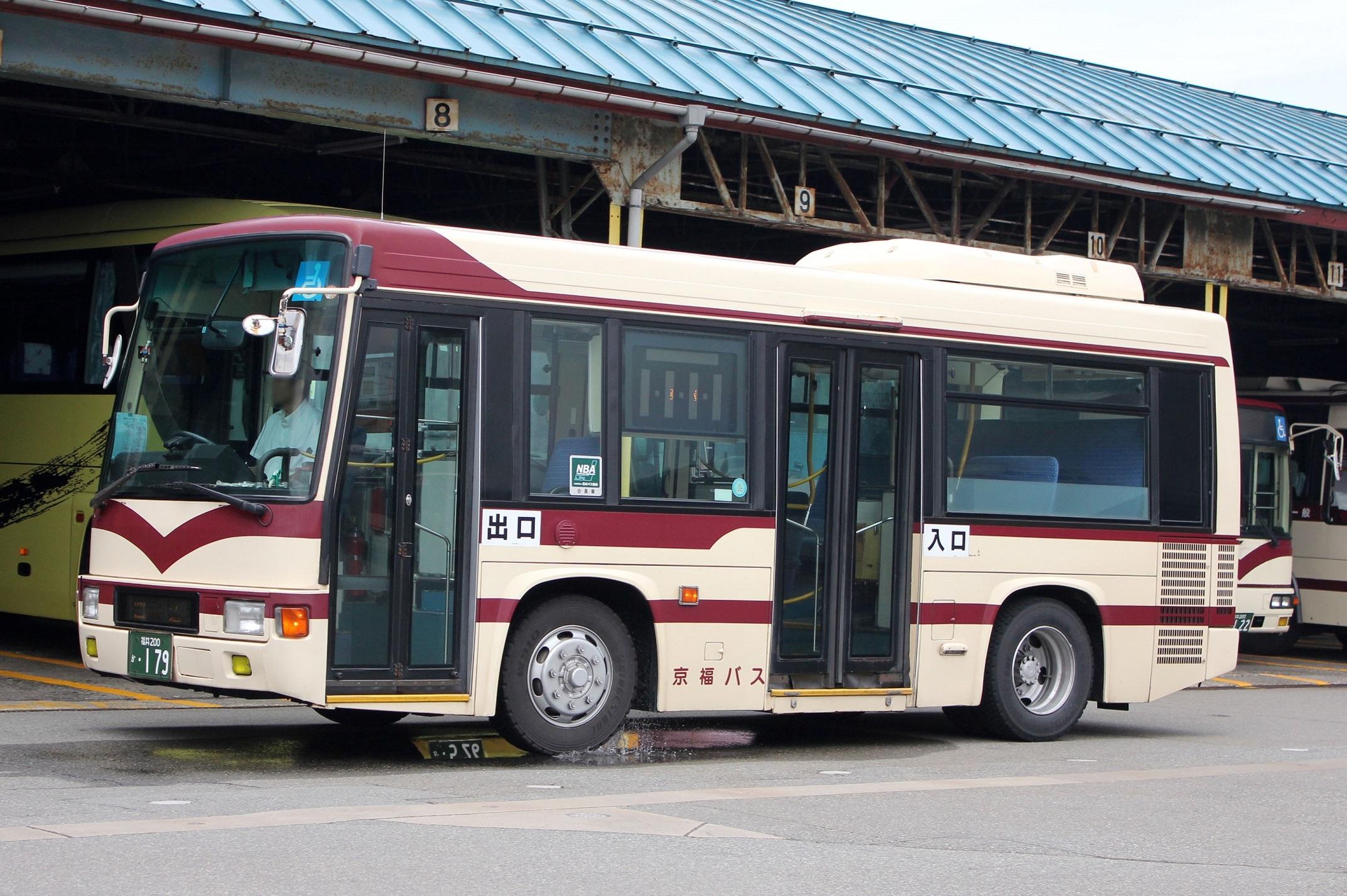 京福バス か179