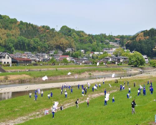 中学生の凧合戦1