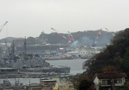 雷の落ちた米海軍横須賀基地