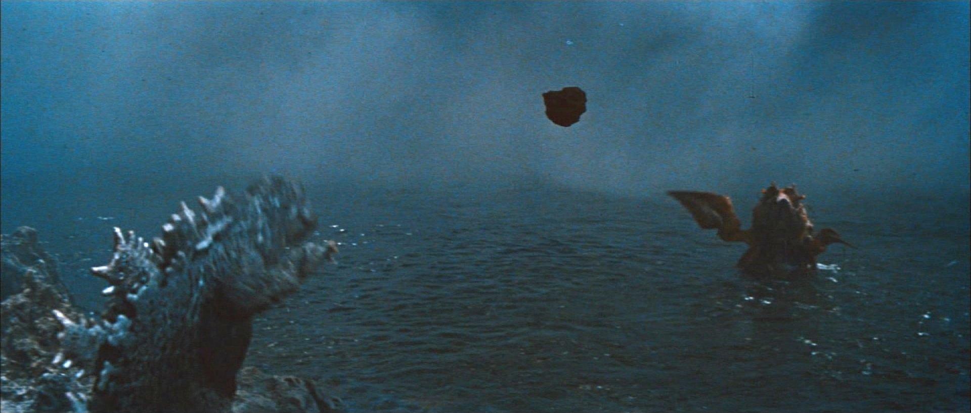 『南海の大決闘』チャンピオンまつり版 岩石キャッチボール