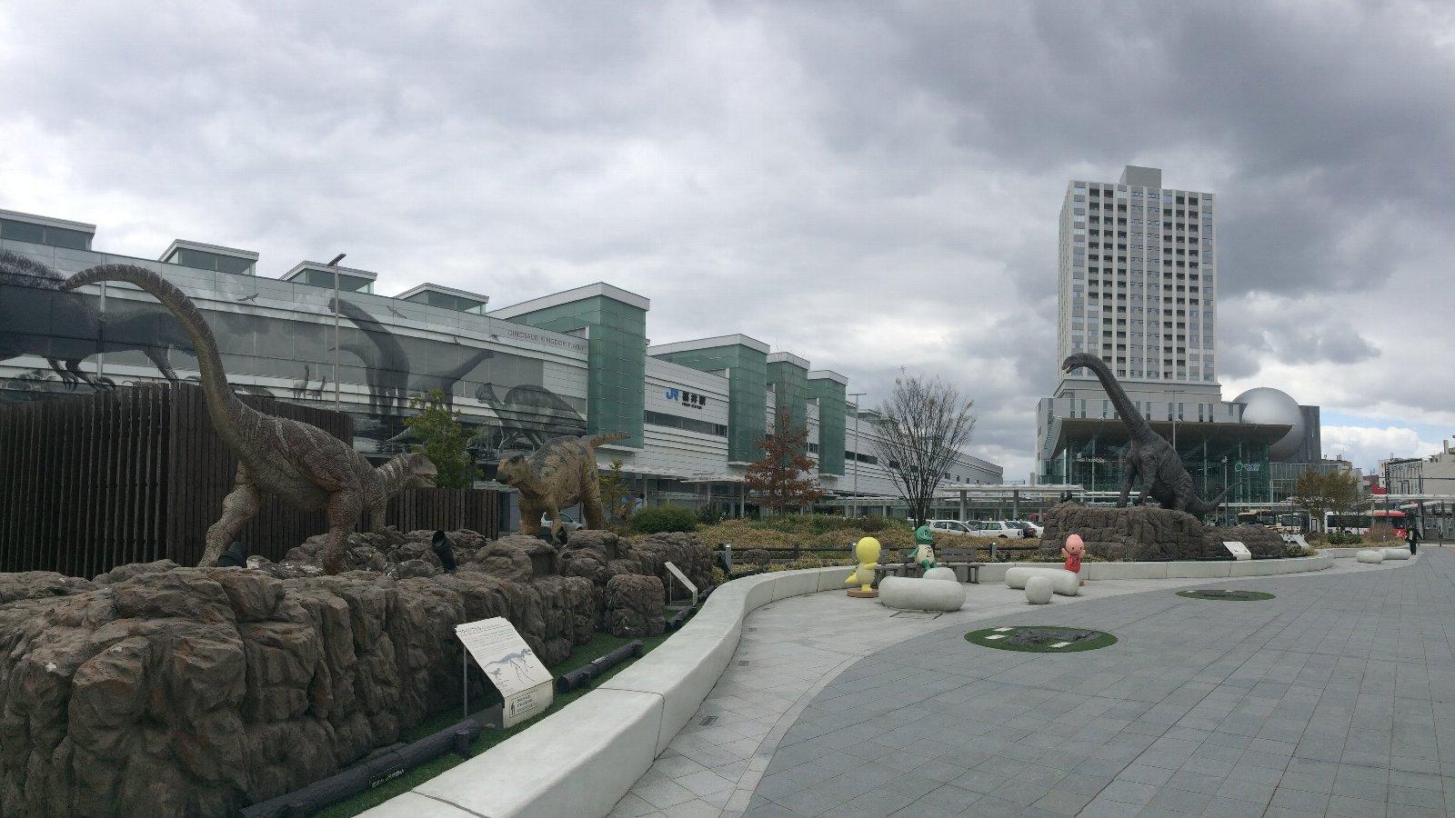 220190411 福井駅前恐竜広場