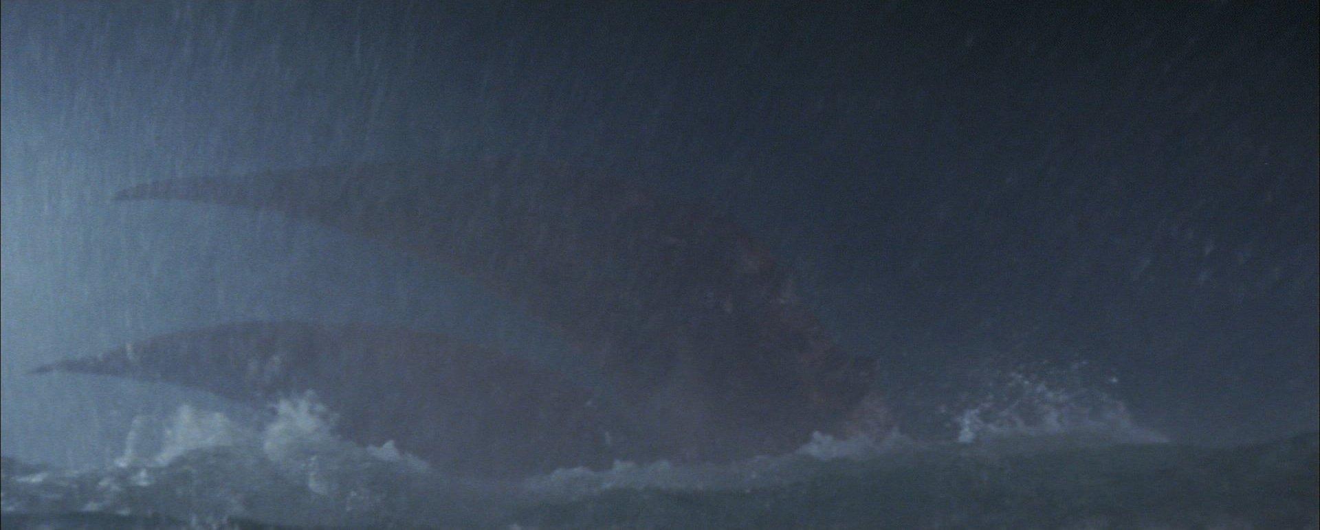 『南海の大決闘』エビラのハサミ登場は約14分目
