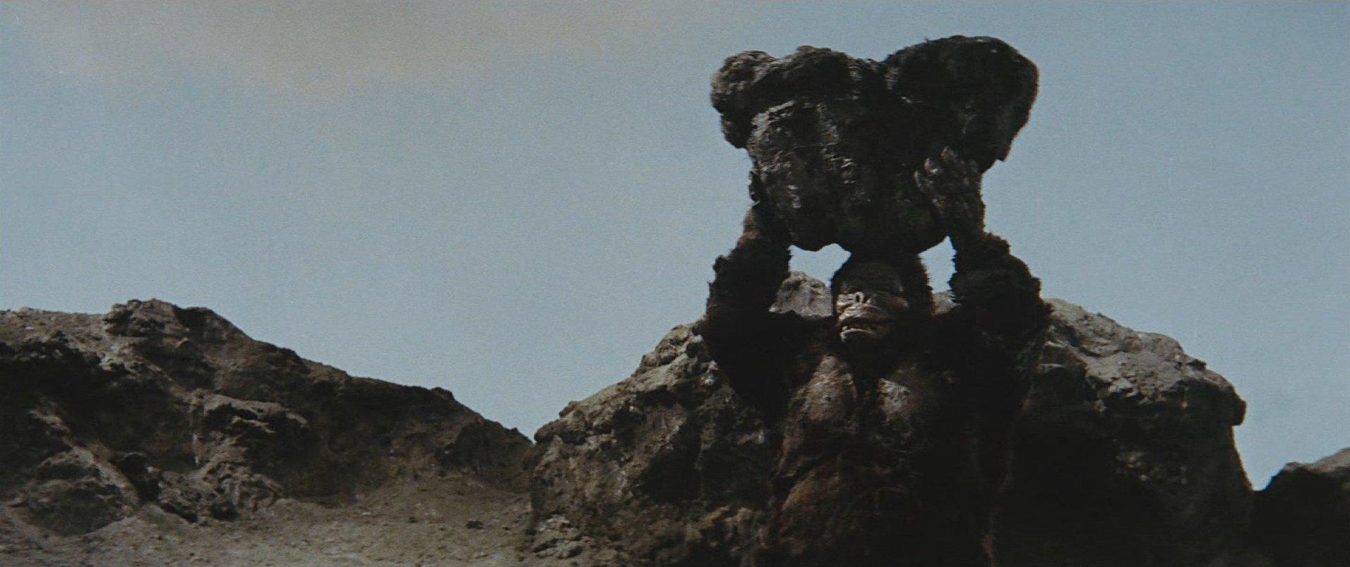 『キンゴジ62』岩投げ