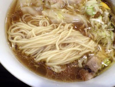 TSURUMEN わんたん麺(麺のアップ)