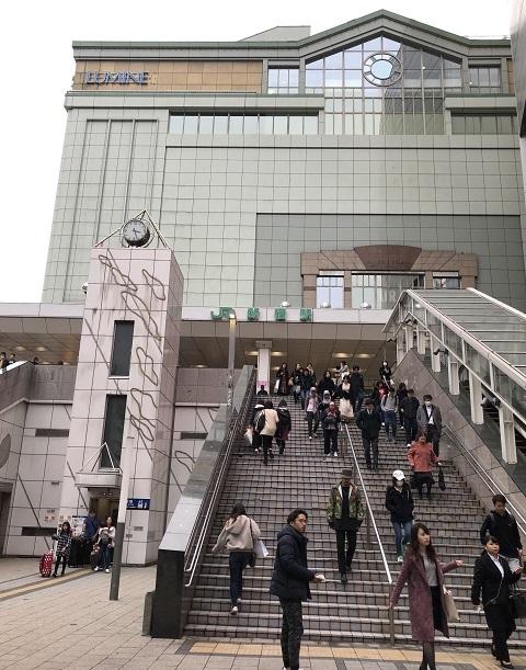 16新宿東口2